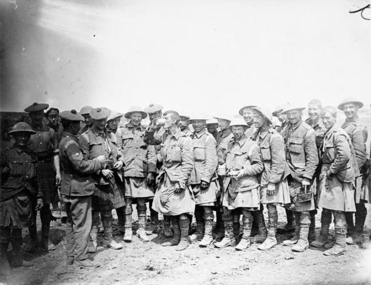 8th Battalion, The Black Watch Receives its Rum Ration on the Somme, 20 July 1916 © IWM (Q 4008)