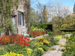 english garden at sissinghurst