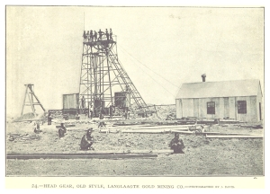 LANGLAAGTE_GOLD_MINING_CO._head_gear,_old_style